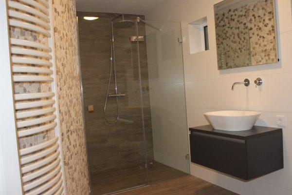 Luxe badkamer met sauna – Vlijmen
