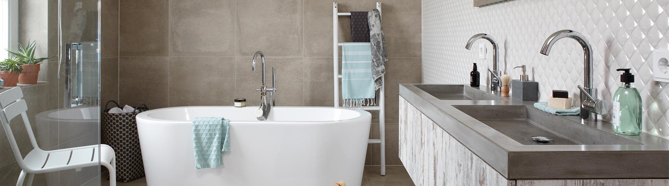Vrijstaand bad - complete badkamer - BadkamerID