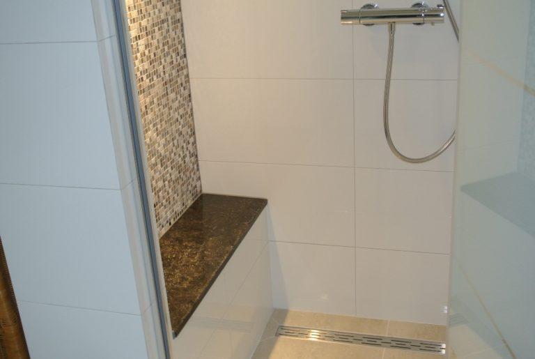 Kleine Wellness Badkamer : Kleine badkamer groot plezier
